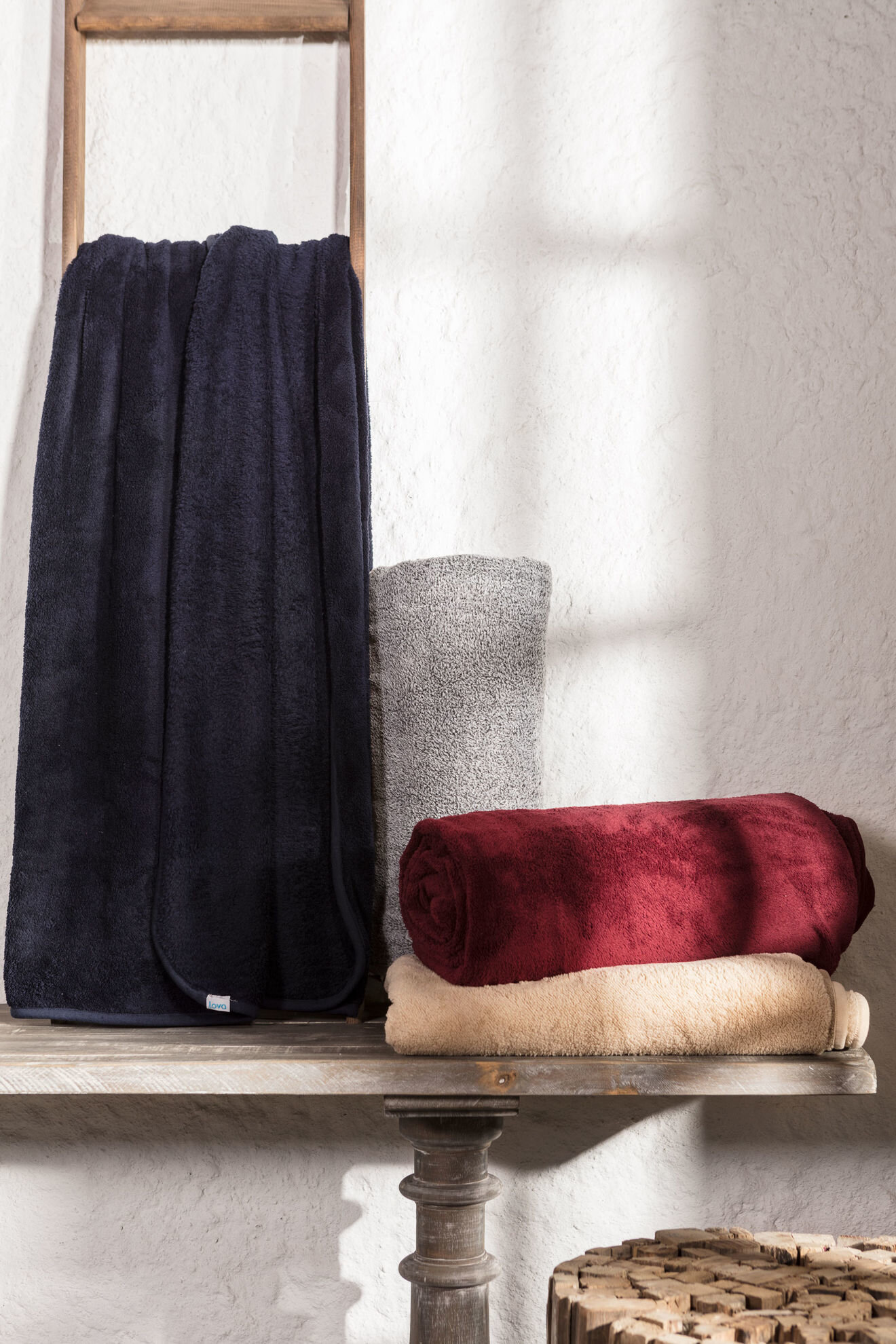 Risus Navy Blue Blanket