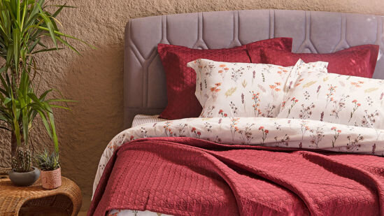 Julia Coverlet And Linens Set